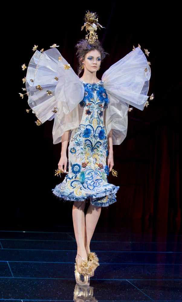 FASHION WEEK GUO PEI CATWALK